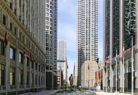 magnificent mile: Statue of Benito Juarez in Chicago
