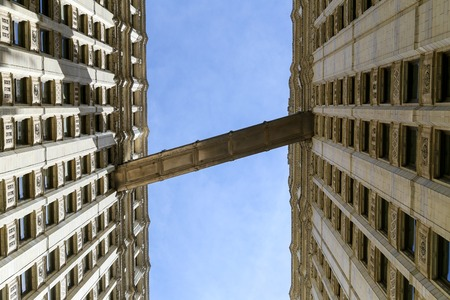 magnificent mile: Walkway between Wrigley Towers in Chicago
