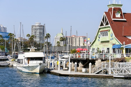 melodrama: Shoreline Village with Melodrama Theater and several restaurants in Long Beach, USA.