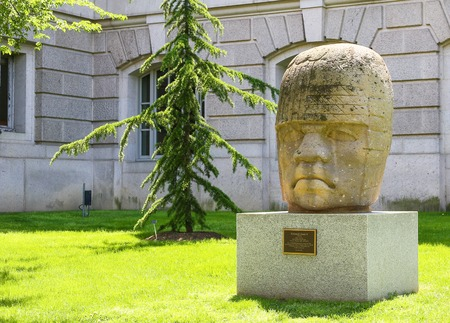 ignacio: Replica of Colossal Head 4 at the Constitution Avenue entrance of the National Museum of Natural History in Washington DC. Editorial