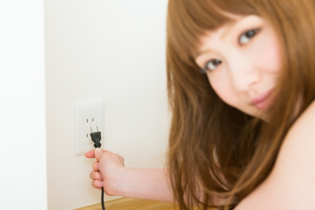 young woman who pulls an outlet photo
