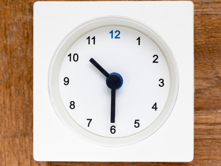 continuation: The series of the sequence of time on the simple white analog clock , 4348