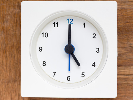 continuation: The series of the sequence of time on the simple white analog clock , 2148