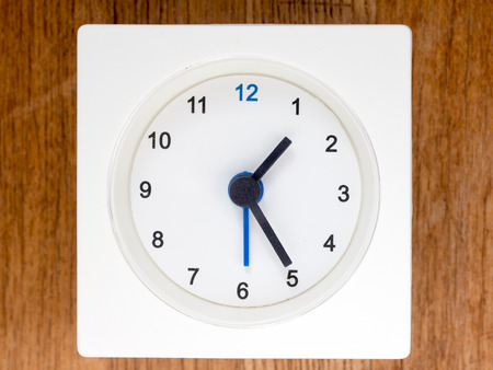 continuation: The second series of the sequence of time on the simple white analog clock , 1296