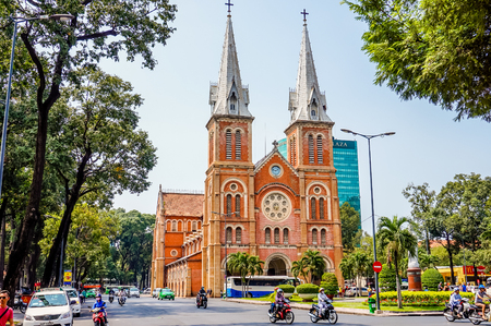 HO ホーチミン市、ベトナム - 2016 年 3 月 13 日: サイゴンのノートルダム大聖堂。