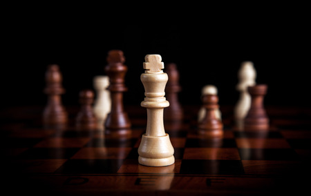 chess pieces with the king in the center Stockfoto