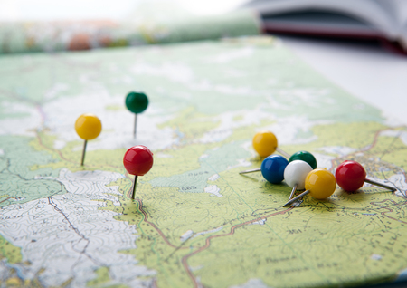 topographic map with colored needles pushpins Zdjęcie Seryjne