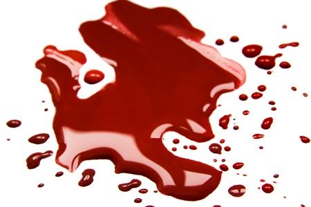 spattered: Las manchas de sangre (charco) aisladas sobre fondo blanco.