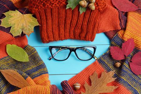 Herbst weiblichen Accessoires - Mütze, Handschuhe und Schal