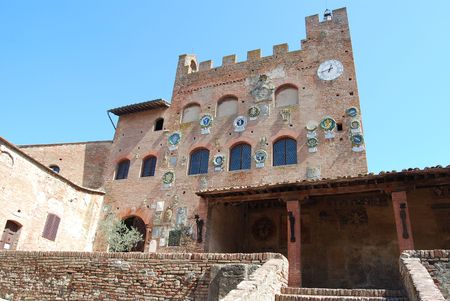 The medieval burg of Certaldo Alto, near Florence, is a beautiful example of te medieval italian architecure  Stock Photo