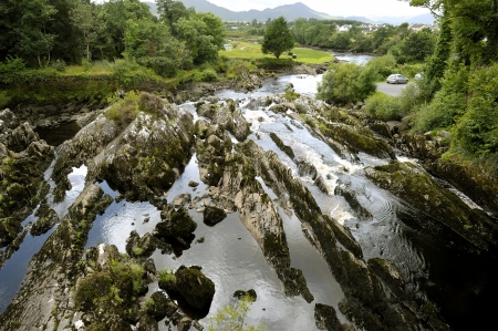eire: Rocks and stream under the bridge of Killorgin (Ireland) Stock Photo