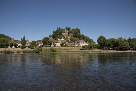 Limeuil, a pretty village on yhe banks of Dordogne photo