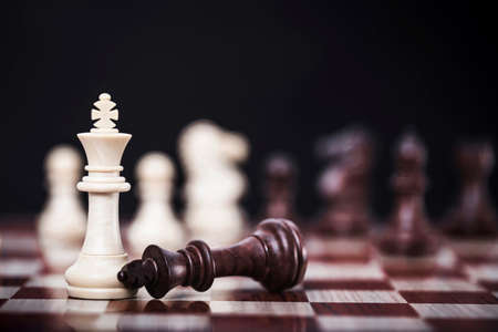 White queen chess of competition business strategy with victory , success and winning concept Archivio Fotografico