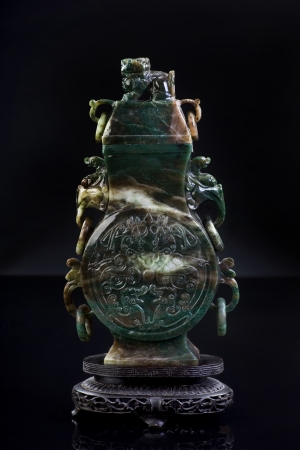 Chinese jade Urn made in the early 1900 s Stock Photo - 16344873