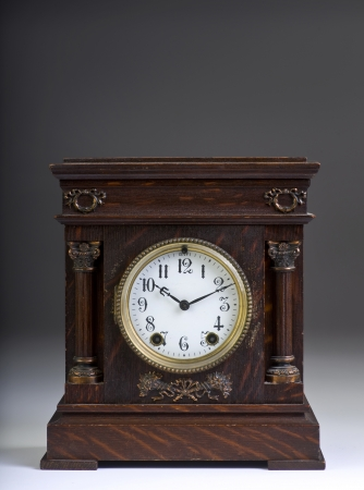American Antique Clock Made in the 1890 s Imagens - 18379298