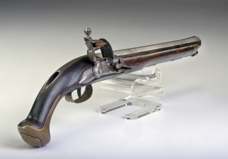 dueling: French flintlock pistol made around 1800  Stock Photo