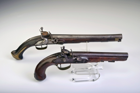 muzzleloader: French and English flintlock pistol made around 1800