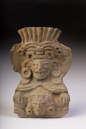Pre colombiana guerriero fatto intorno al 1000 dC Archivio Fotografico