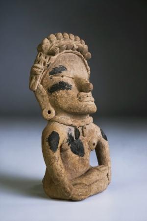 cultura maya: Guerrero precolombino hecho alrededor de 1000 dC