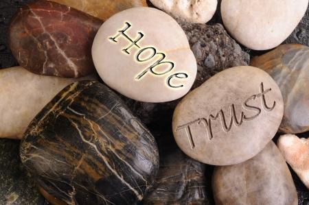 Speranza e fiducia Stones