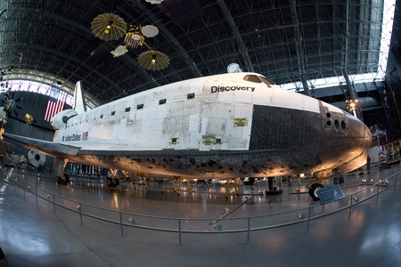 CHANTILLY, VIRGINIA - Sept. 2013: Space shuttle Discovery at the  Smithsonion National Air and Space Museum . Editoriali