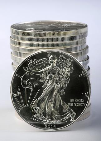 aguila americana: D�lar �guila de plata es una onza de plata pura.