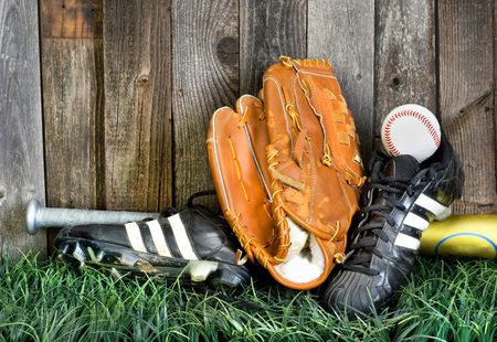 homerun: Time to play American baseball with the right equipment.