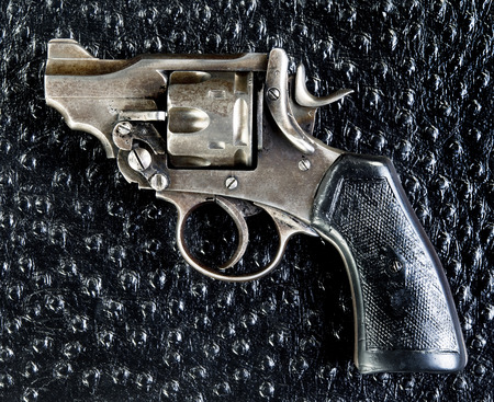 pistol made in 1917 used in World War 1 .