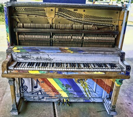 Old painted up jazz piano in well played condition.