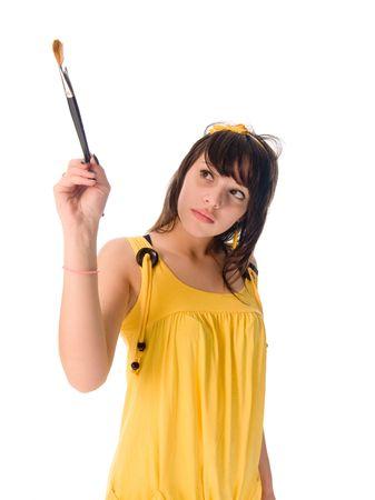 Adolescente en la pintura vestido amarillo
