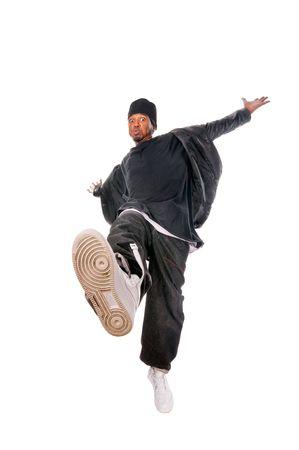 Cool joven bailarina de hip-hop sobre fondo blanco