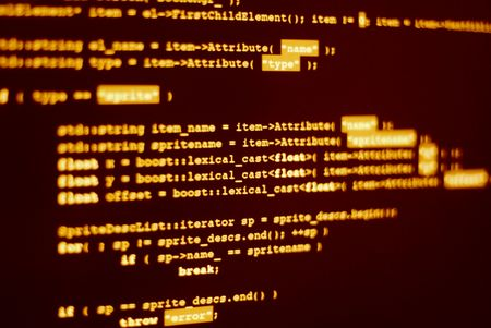 Computerbildschirm mit Programmcode in Hacker Farbe angezeigt. Lizenzfreie Bilder