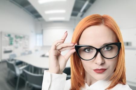 Business vrouw in vergaderzaal