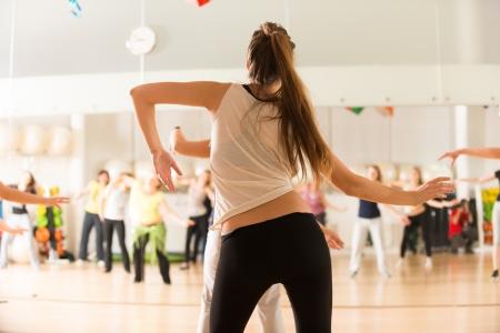 여성을위한 댄스 클래스