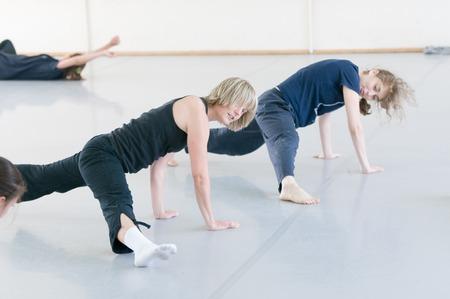 tänzerin: Moskau, Russland - 1. August 2008 - Szene des Tsekh Internationalen Sommertanzschule. Tanzlehrer aus der ganzen Welt, um die Veranstaltung, um Klassen zu halten bekommen