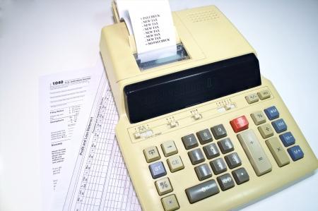 Concepto de nuevos impuestos y lo que va a hacer con los ingresos Foto de archivo - 17034347