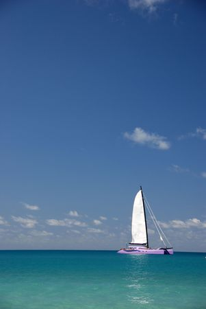 whitsundays: Sailing boat in the tropics