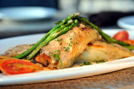 Chicken Crepes with mushroom sauce  Imagens