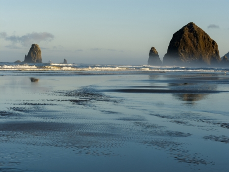 Haystack Rock, Cannon Beach, Oregon photo