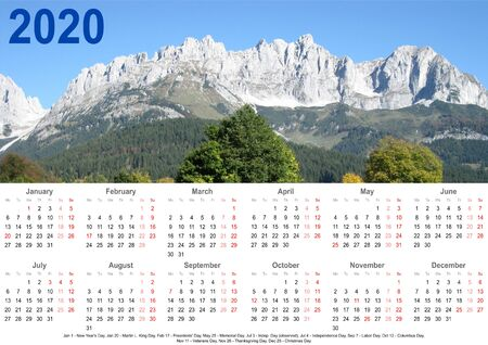 Annual calendar 2020 with mountain landscape above and public holiday markings and listing below for USA Stok Fotoğraf