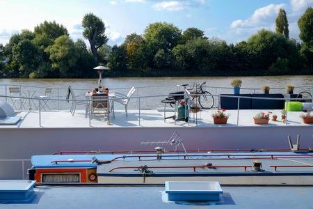 Woonboot op de Theems in Londen