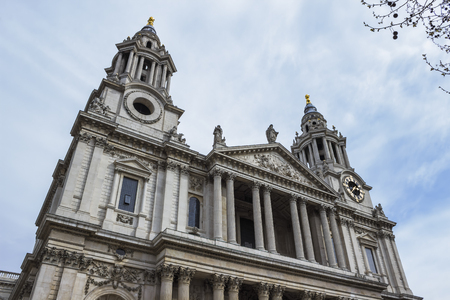 saint paul: The cathedral of Saint Paul in the city of London.
