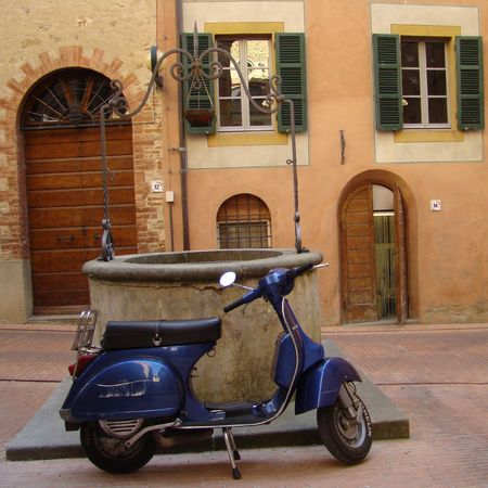 italian culture: italian old-style scooter