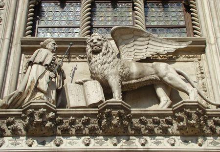 leon alado: socorro de le�n alado, Venecia  Foto de archivo