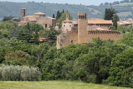 etruscan: beautiful etruscan small town in Tuscany: Sovana