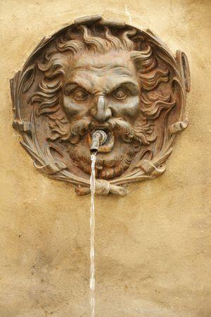 source d eau: antiquaires source de boire de l'eau, de l'Italie