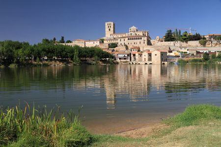 picturesque: picturesque scenery with river Duero and old town  of Zamora, Spain