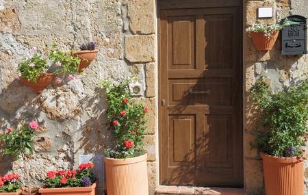 flowery: entrada florido soleado en Italia Foto de archivo