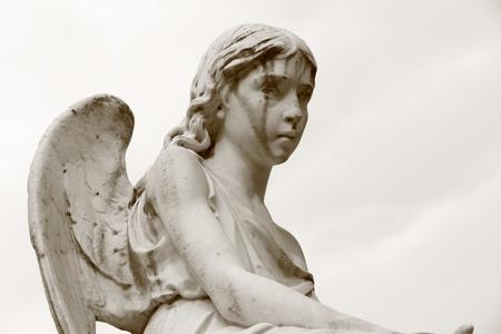 edad de piedra: figura angelical Foto de archivo