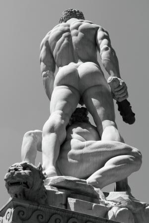 buttock: H�rcules y Caco escultura de Baccio Bandinelli en la Piazza della Signoria de Florencia, Italia, Europa